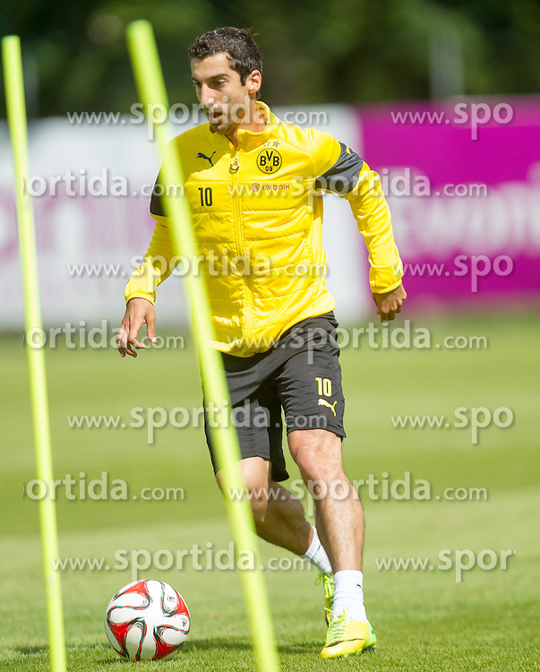 10.07.2014, Sportplatz, Brixen im Thale, AUT, Borussia Dortmund Trainingslager, im Bild Henrikh Mkhitaryan // Henrikh Mkhitaryan during a Trainingssession of the German Bundesliga Club Borussia Dortmund at the Sportplatz, Brixen im Thale, Austria on 2014/07/10. EXPA Pictures © 2014, PhotoCredit: EXPA/ JFK
