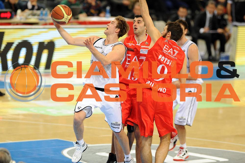 DESCRIZIONE : Torino Coppa Italia Final Eight 2012 Quarto di Finale EA7 Emporio Armani Milano Canadian Solar Bologna<br /> GIOCATORE : Petteri Koponen<br /> SQUADRA : Canadian Solar Bologna <br /> EVENTO : Suisse Gas Basket Coppa Italia Final Eight 2012<br /> GARA : EA7 Emporio Armani Milano Canadian Solar Bologna<br /> DATA : 16/02/2012<br /> CATEGORIA : tiro<br /> SPORT : Pallacanestro<br /> AUTORE : Agenzia Ciamillo-Castoria/GiulioCiamillo<br /> Galleria : Final Eight Coppa Italia 2012<br /> Fotonotizia : Torino Coppa Italia Final Eight 2012 Quarto di Finale EA7 Emporio Armani Milano Canadian Solar Bologna<br /> Predefinita :
