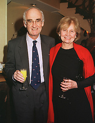 SIR JOHN & LADY NOTT at a dinner in London on 10th March 1999.MPG 36