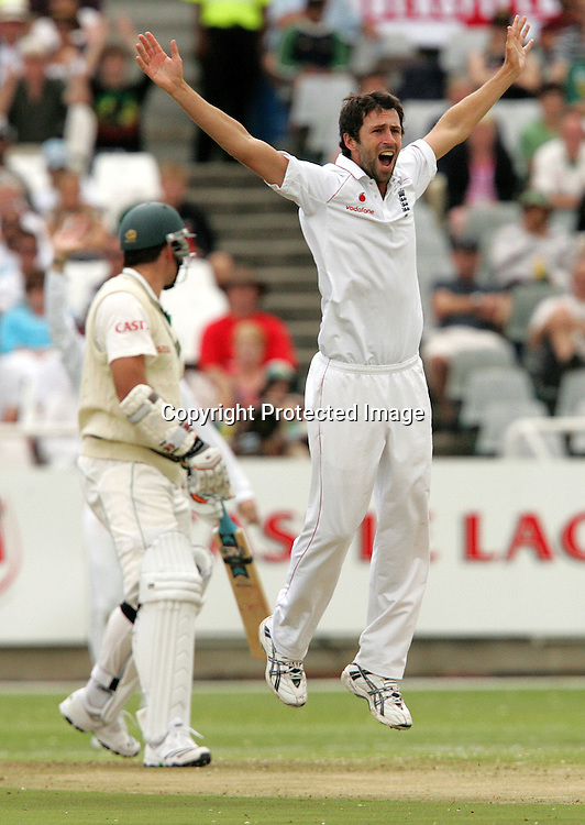 Graham Onions unsuccessfully appeals for the wicket of Graeme smith during the 1st day of the third test match between South Africa and England held at Newlands Cricket Ground in Cape Town on the 3rd  January 2010.Photo by: Ron Gaunt/ SPORTZPICS