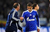 FUSSBALL   1. BUNDESLIGA   SAISON 2012/2013   5. SPIELTAG FC Schalke 04 - FSV Mainz 05                               25.09.2012        Trainer Huub Stevens (li) und Ibrahim Affelay (re, beide FC Schalke 04)
