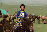 Mongolia. Horsemen from the steppe, on the outskirts of Ulan Bator.   /  Cavaliers de la steppe à la sortie de Oulan bator