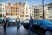 Koningin Máximatijdens een werkbezoek gebracht aan Hotel V Nesplein en de managing director van McDonald's  in Amsterdam. Koninklijke Horeca Nederland (KHN) was de gastheer van twee gesprekken waarin vertegenwoordigers van hotel- en restaurantketens en kleinere horecaondernemers Koningin Máxima informeerden over de gevolgen van de uitbraak van het coronavirus (COVID-19) voor hun bedrijven.<br /> <br /> Queen Máxima paid a working visit to Hotel V Nesplein and the managing director of McDonald's in Amsterdam. Koninklijke Horeca Nederland (KHN) was the host of two conversations in which representatives of hotel and restaurant chains and smaller catering entrepreneurs informed Queen Máxima about the consequences of the outbreak of the coronavirus (COVID-19) for their companies.