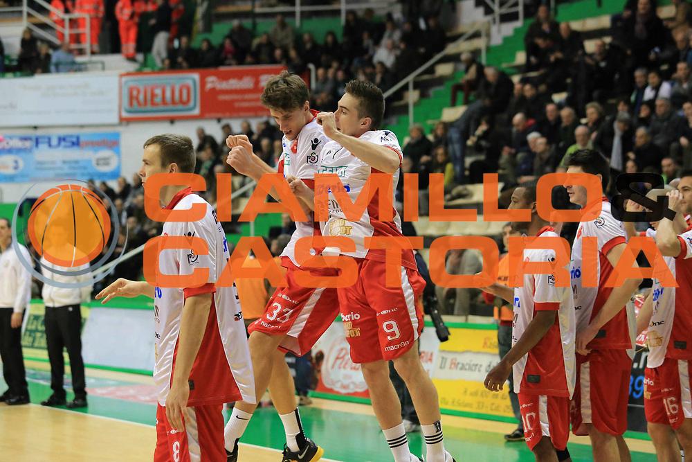 DESCRIZIONE : Siena Lega A 2012-13 Montepaschi Siena Cimberio Varese<br /> GIOCATORE : Achille Polonara<br /> CATEGORIA : curiosita<br /> SQUADRA : Cimberio Varese<br /> EVENTO : Campionato Lega A 2012-2013 <br /> GARA :  Montepaschi Siena Cimberio Varese<br /> DATA : 03/02/2013<br /> SPORT : Pallacanestro <br /> AUTORE : Agenzia Ciamillo-Castoria/M.Simoni<br /> Galleria : Lega Basket A 2012-2013  <br /> Fotonotizia : Siena Lega A 2012-13 Montepaschi Siena Cimberio Varese<br /> Predefinita :