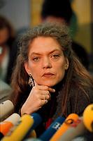 07.01.1999, Deutschland/Bonn:<br /> Antje Radcke, Sprecherin des Bundesvorstandes B90/Gr&uuml;ne, w&auml;hrend einer Pressekonferenz zur Bundesvorstandsklausur von B&uuml;ndnis 90 / Die Gr&uuml;nen, Bundesgesch&auml;ftsstelle<br /> Antje Radcke, Chairwoman of the federal executive board of the German Green Party, during a press conference<br /> IMAGE: 19990107-02/01-25