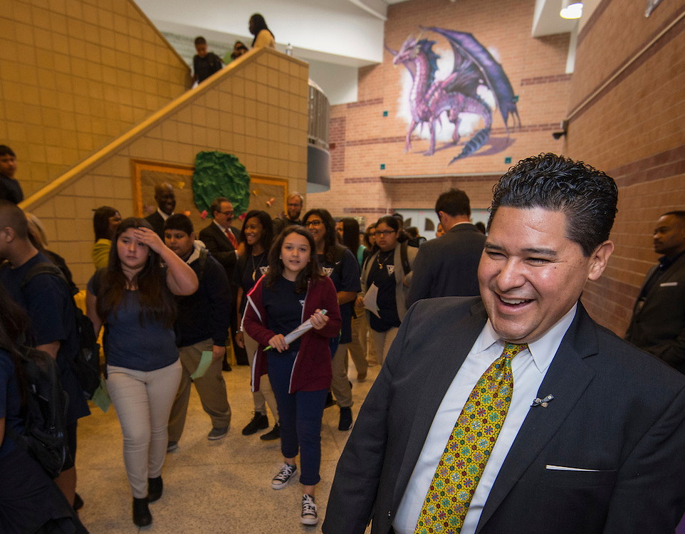 Houston ISD Superintendent Richard Carranza visits Stevenson Middle School on the first day of school, August 22, 2016.