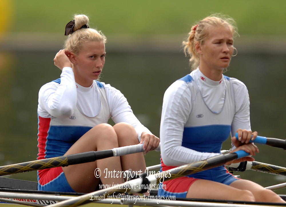 Amsterdam, HOLLAND, RUS W2X , bow Yulia KALINOVSKAYA and Itina FEDOTOVA,  move away from the start,  at the 2007 FISA World Cup Rd 2 at the Bosbaan Regatta Rowing Course. [Date] [Mandatory Credit: Peter Spurrier/Intersport-images]..... , Rowing Course: Bosbaan Rowing Course, Amsterdam, NETHERLANDS