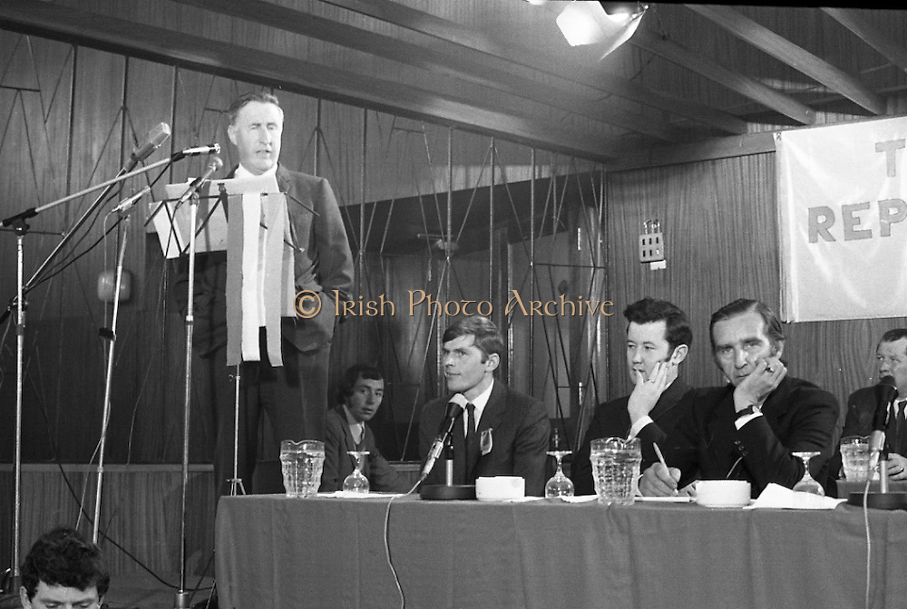 Aontacht Eireann Party Founded.<br /> 1971.<br /> 19.09.1971.<br /> 09.19.1971.<br /> 19th September 1971.<br /> After resigning from the Fianna Fáil party in protest at the sacking of Charles Haughey and Neil Blaney, Kevin Boland and some political allies formed a new political party. Aontacht Eireann (Ireland Unity party) a pro republican party.The first Ard Fheis of the party was held at The Clare Manor Hotel in Dublin.<br /> <br /> Mr Kevin Boland is pictured giving the keynote address at the Aontacht Éireann Ard Fheis.