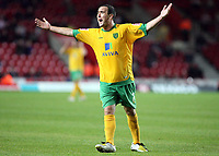Lee Croft (Norwich City) protests against a refree's decision<br /> Southampton vs Norwich City Coca-Cola Championship St Mary's Stadium 30/9/2008<br /> Credit Colorsport / Shaun Boggust
