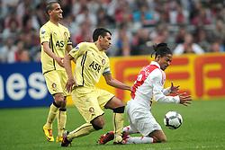 25-04-2010 VOETBAL: AJAX - FEYENOORD: AMSTERDAM<br /> De eerste wedstrijd in de bekerfinale is gewonnen door Ajax met 2-0 / Urby Emanuelson en Giovanni van Bronckhorst<br /> ©2010-WWW.FOTOHOOGENDOORN.NL