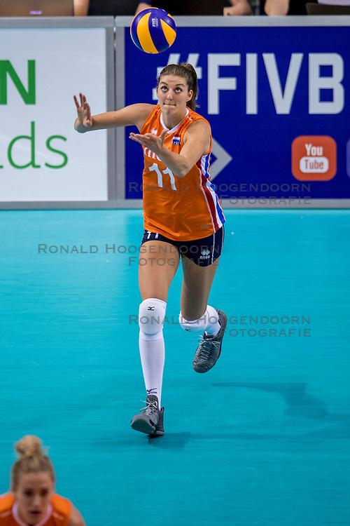 26-05-2017 NED: Nederland - Italie, Apeldoorn<br /> Kick off voor het Nederlands vrouwenteam begon met een oefenwedstrijd in Apeldoorn. Itali&euml; werd met 3-1 verslagen / Anne Buijs #11