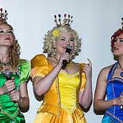 NLD/Baarn/20140423 - Perspresentatie Prinsessia, cast, Jolijn Henneman, Helle Vanderheyden en Fauve Celeste