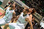 DESCRIZIONE : Siena Eurolega 2011-12 Montepaschi Siena Unicaja Malaga<br /> GIOCATORE : Luka Zoric<br /> CATEGORIA : rimbalzo difesa<br /> SQUADRA : Unicaja Malaga<br /> EVENTO : Eurolega 2011-2012<br /> GARA : Montepaschi Siena Unicaja Malaga<br /> DATA : 08/02/2012<br /> SPORT : Pallacanestro <br /> AUTORE : Agenzia Ciamillo-Castoria/ElioCastoria<br /> Galleria : Eurolega 2011-2012<br /> Fotonotizia : Siena Eurolega 2011-12 Montepaschi Siena Unicaja Malaga<br /> Predefinita :