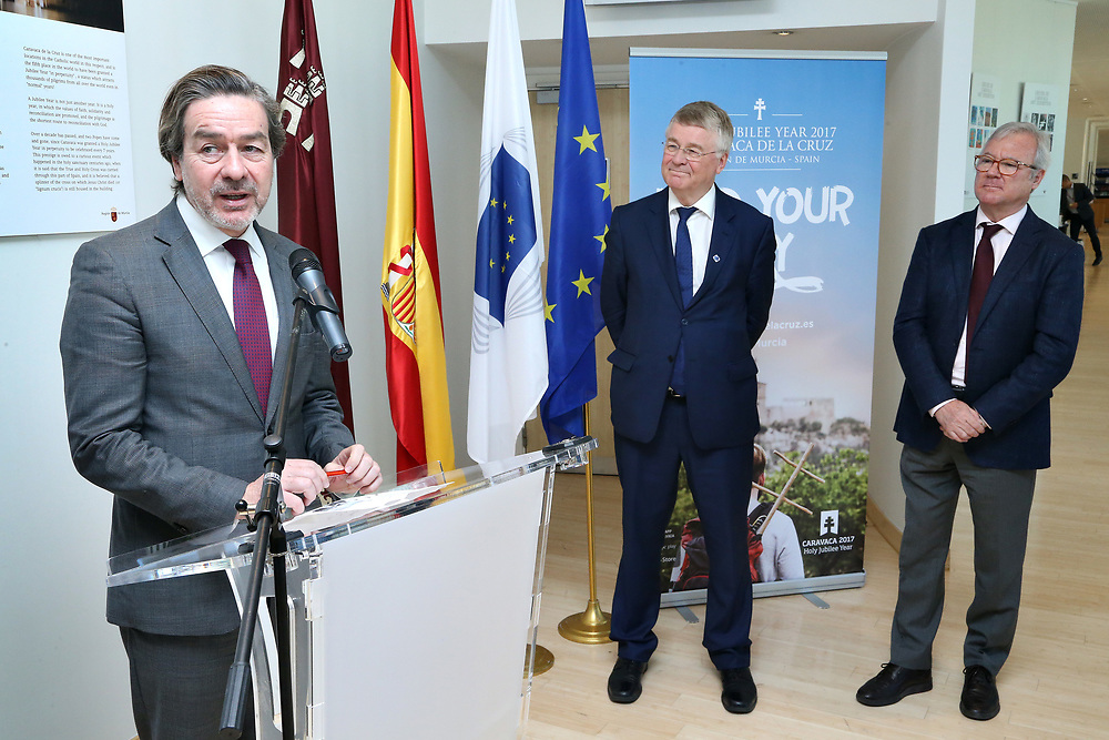 11 May 2017, EA Group meeting<br /> Belgium - Brussels - May 2017.  Exhibition opening&rdquo;Los Caminos de la Cruz&rdquo;<br /> CoR President Markkula <br /> <br /> &copy; European Union / Patrick Mascart