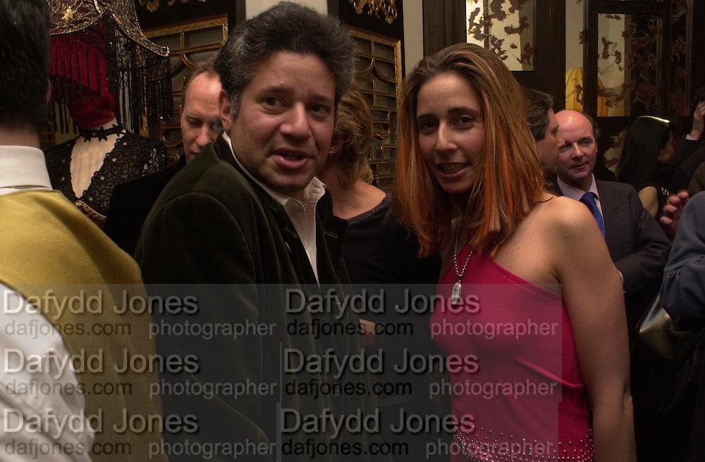 Peter Soros and Tara Hitchcox, Shanghai Tang opening. Sloane St. 11 April 2001. © Copyright Photograph by Dafydd Jones 66 Stockwell Park Rd. London SW9 0DA Tel 020 7733 0108 www.dafjones.com