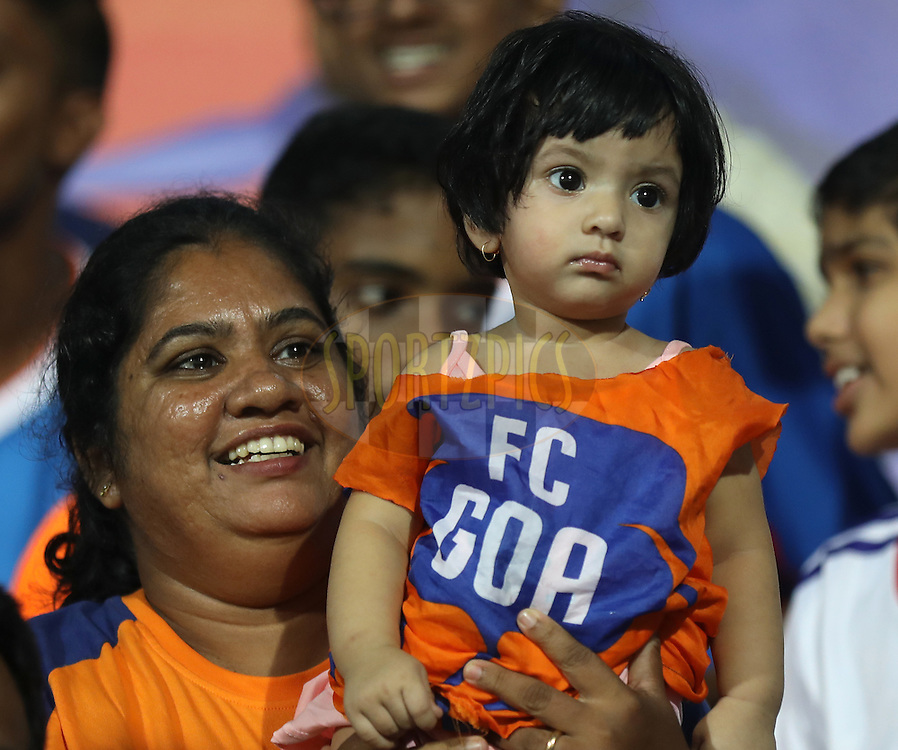 A kid fan of FC Goa during match 8 of the Indian Super League (ISL) season 3 between FC Goa and FC Pune City held at the Fatorda Stadium in Goa, India on the 8th October 2016.<br /> <br /> Photo by Sandeep Shetty / ISL/ SPORTZPICS