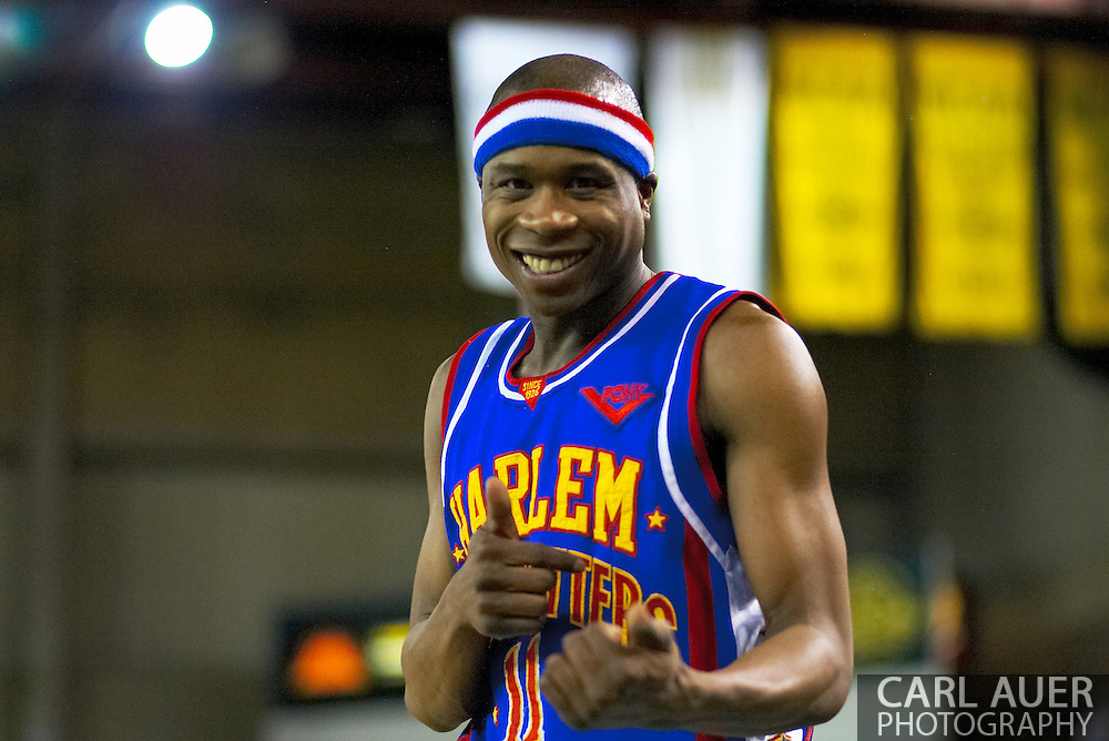 04 May 2006: Keiron 'Sweet P' Shine strikes a pose during the Harlem Globetrotters vs the New York Nationals at the Sulivan Arena in Anchorage Alaska during their 80th Anniversary World Tour.  This is the first time in 10 years that the Trotters have visited Alaska.