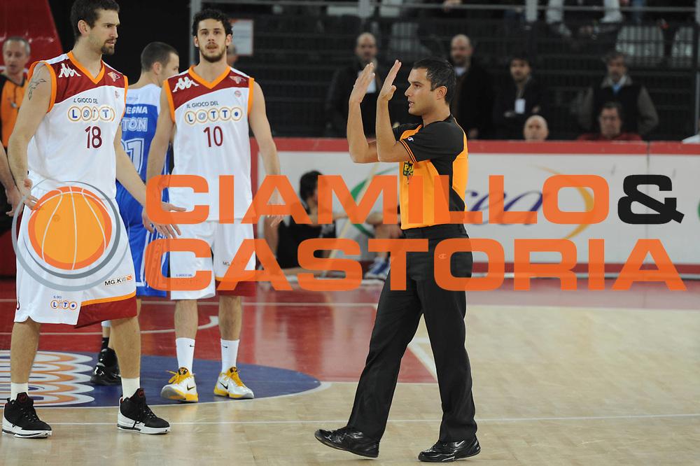 DESCRIZIONE : Roma Lega A 2010-11 Lottomatica Virtus Roma Dinamo Sassari<br /> GIOCATORE : Arbitro<br /> SQUADRA : Lottomatica Virtus Roma Dinamo Sassari<br /> EVENTO : Campionato Lega A 2010-2011 <br /> GARA : Lottomatica Virtus Roma Dinamo Sassari<br /> DATA : 28/12/2010<br /> CATEGORIA : <br /> SPORT : Pallacanestro <br /> AUTORE : Agenzia Ciamillo-Castoria/GiulioCiamillo<br /> Galleria : Lega Basket A 2010-2011 <br /> Fotonotizia : Roma Lega A 2010-11 Lottomatica Virtus Roma Dinamo Sassari<br /> Predefinita :