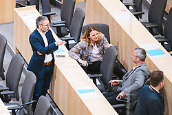 14.03.2020, Hofburg, Wien, AUT, Parlament, Sondersitzung des Nationalrates um das Gesetzespaket, das unter anderem Regelungen im Zusammenhang mit der Bekaempfung der Corona-Pandemie in Bezug auf Betriebsschließungen sowie im Zusammenhang mit Dienstfreistellungen und Kurzarbeit plenumsreif zu machen, im Bild v. l. Herbert Kickl (FPOe), Norbert Hofer (FPOe)// during special session of the National Council to make the legislative package, which among other things, regulations in connection with the fight against the corona pandemic in relation to company closings as well as in connection with leave of absence and short-time work ready for plenum at Hofburg palace in Vienna, Austria on 2020/02/27, EXPA Pictures © 2020, PhotoCredit: EXPA/ Florian Schroetter