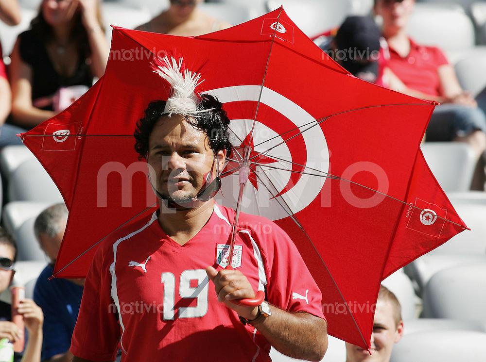 Fussball WM 2006 Vorunde Gruppe H Tunesien - Saudi Arabien Tunesischer Fan
