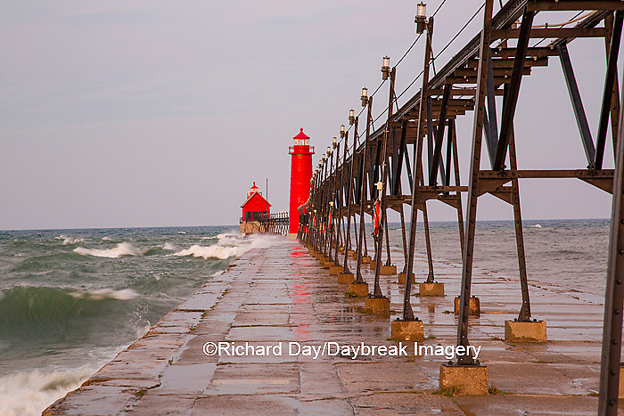 64795-01305 Grand Haven South Pier Lighthouse at sunrise on Lake Michigan, Ottawa County, Grand Haven, MI
