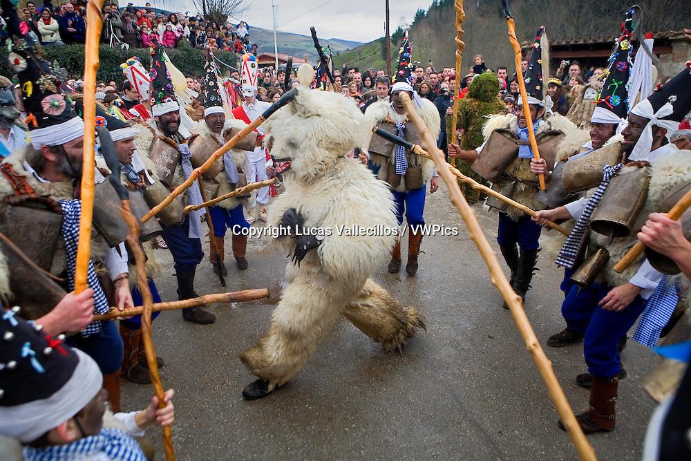 `La Vijanera´carnival, bear death, Silio, Molledo. Cantabria, Spain.