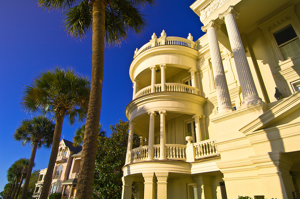Antebellum houses on East Bay Street (The Battery) in the historic district of Charleston, South Carolina