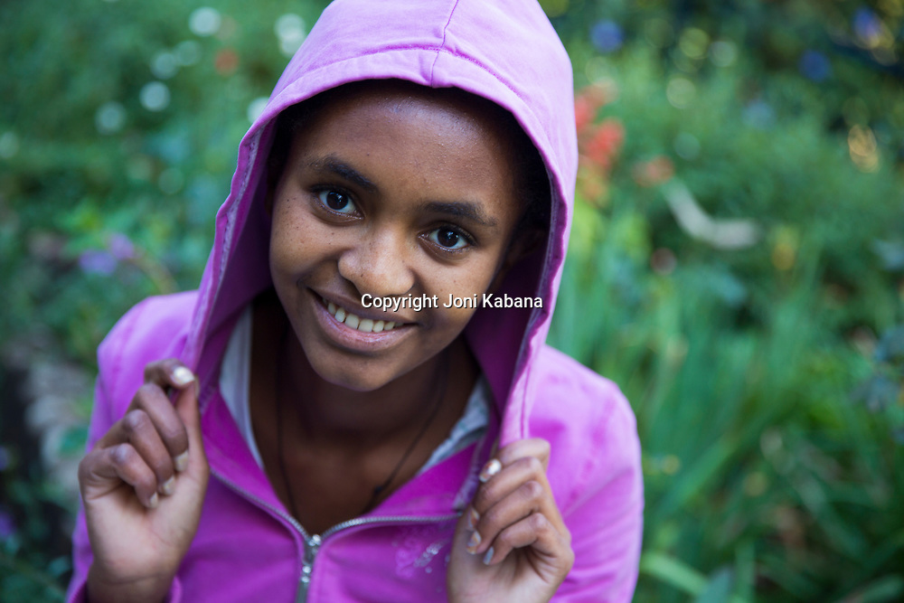 Rgbe, 19 years old from Tigray