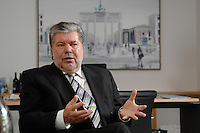 08 JAN 2007, BERLIN/GERMANY:<br /> Kurt Beck, SPD Parteivorsitzender und Ministerpraesident Rheinland-Pfalz, waehrend einem Interview, in seinem Buero, Willy-Brandt-Haus<br /> Kurt Beck, Party Leader of the Social Democratic Party, during an interview, in his office, Willy-Brandt-Haus<br /> IMAGE: 20070108-01-044<br /> KEYWORDS: Ministerpr&auml;sident