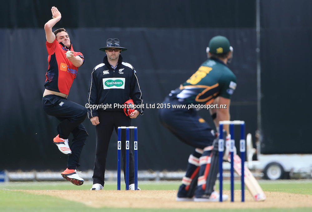 Canterbury's Ed Nuttall bowls. Ford Trophy cricket, Central Stags v Canterbury, McLean Park, Napier, New Zealand. Sunday 27 December, 2015. Copyright photo: John Cowpland / www.photosport.nz