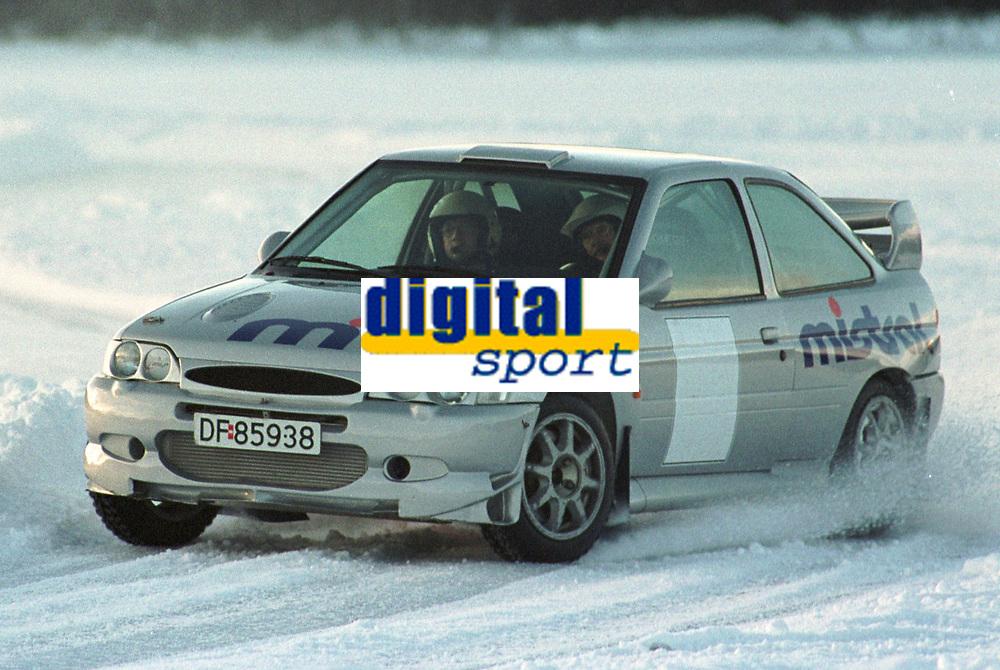 Motorsport, Rally, Valter Chr. Jensen satser friskt også i år 2000. Her tester han ut sin Ford Escort WRC på Dagali 6. januar 2000. Foto: Digitalsport, Jan A. Holshagen