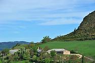 07/05/15 - SAINT BONNET DE CHIRAC - LOZERE - FRANCE - GAEC des Bleuets, elevage mixte bovin/ovin lait - Photo Jerome CHABANNE