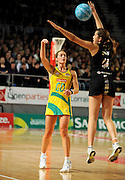 Julie Corletto (AUS) / Paula Griffin (NZ)<br /> Netball - 2009 Holden International Test Series<br /> Australian Diamonds v New Zealand Silver Ferns<br /> Wednesday 9 September 2009<br /> Hisense Arena, Melbourne AUS<br /> © Sport the library / Jeff Crow