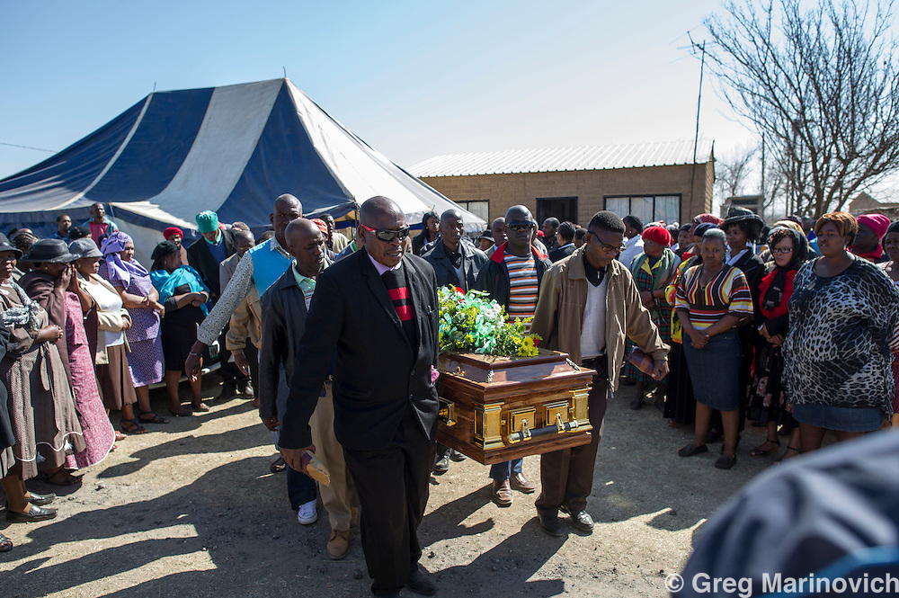 France, Sasolburg, South Africa, 1 Sept, 2012. Mine workers carry the coffin of slain driller leader Andries Ntsenyeho who was killed August 16th, 2012, during the Marikana Massacre of striking Lonmin miner.Photo Greg Marinovich