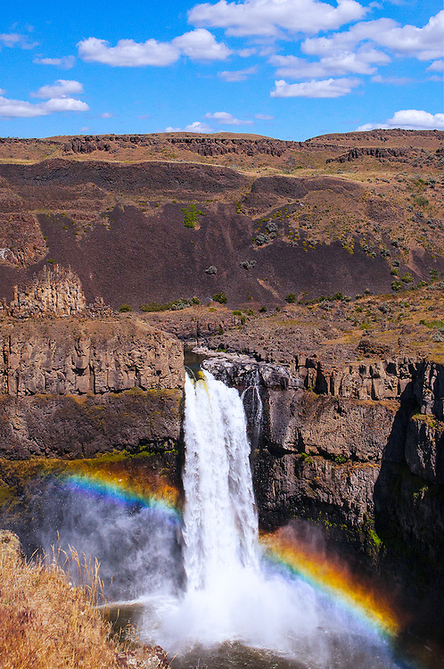 Palouse falls rainbow