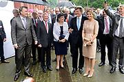Koning en koningin bezoeken Noordrijn-Westfalen. Koning Willem Alexander  en Koningin Maxima  brengen een bezoek aan MMID / Creatieve Industrie Essen<br /> <br /> King and Queen visit North Rhine-Westphalia.<br /> King Willem Alexander and Queen Maxima visit MMID / Creative Industry Essen<br /> <br /> Op de foto / On the photo: <br /> <br />  Koning Willem Alexander en Koningin Maxima komen aan<br /> <br /> King Willem Alexander and Queen Maxima arrive
