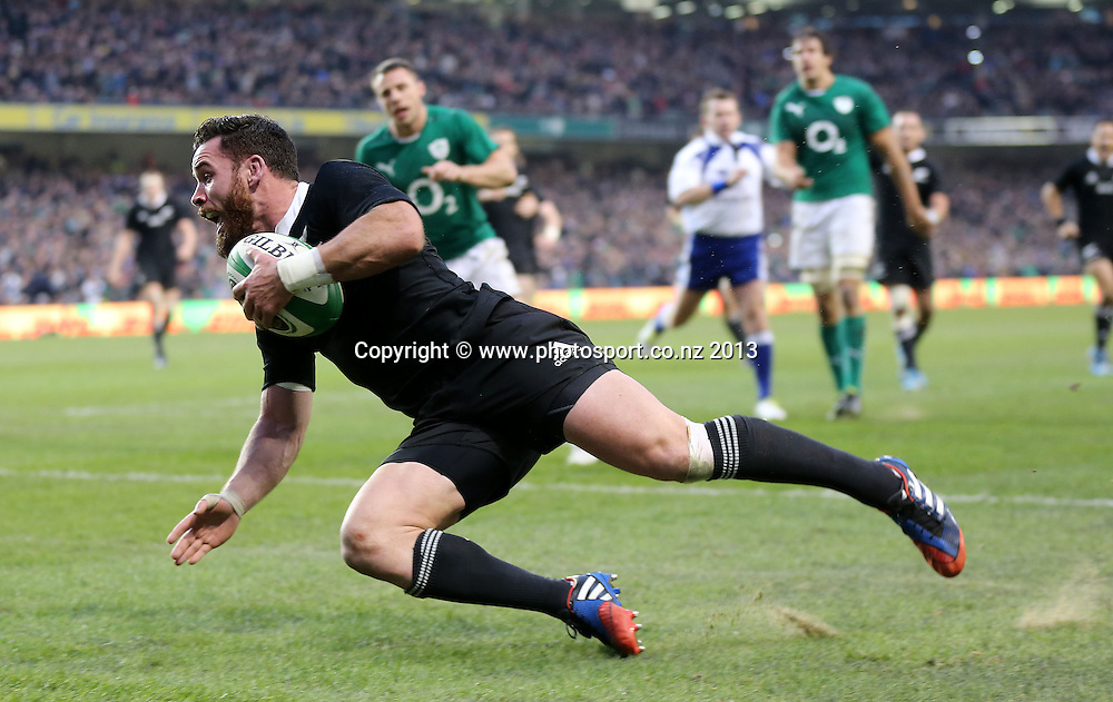 Guinness Series, Aviva Stadium, Dublin 24/11/2013 <br /> Ireland vs New Zealand All Blacks<br /> New Zealand's Ryan Crotty crosses the line to score the last try of the game<br /> Mandatory Credit &copy;INPHO/James Crombie