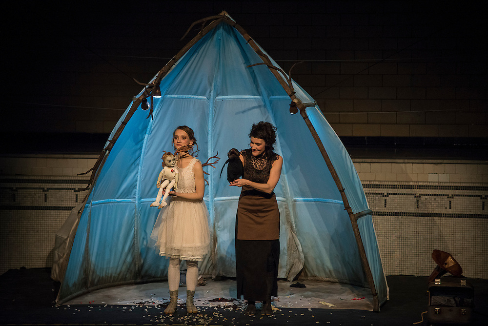 JULIE DESROSIERS, LES BOIS DORMANTS, BAIN SAINT-MICHEL