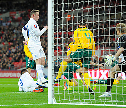 Danny Welbeck of England (Arsenal) scores  - Photo mandatory by-line: Joe Meredith/JMP - Mobile: 07966 386802 - 27/03/2015 - SPORT - Football - London - Wembley Stadium - England v Lithuania - UEFA EURO 2016 Qualifier