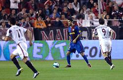 03-03-2007 VOETBAL: SEVILLA FC - BARCELONA: SEVILLA  <br /> Sevilla wint de topper met Barcelona met 2-1 / Rafael Marquez en Alexander Kerzhakov - boarding unibet.com<br /> &copy;2006-WWW.FOTOHOOGENDOORN.NL