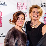 NLD/Amsterdam/20160118 - Beau Monde Awards 2016, Kim-Lian van der Mey en winnares tv wedstrijd