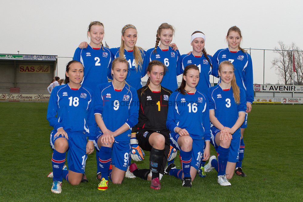 21120413 - IEPER, BELGIUM : team Iceland during the Second qualifying round of U17 Women Championship between England and Iceland on Friday April 13th, 2012 in Ieper, Belgium.
