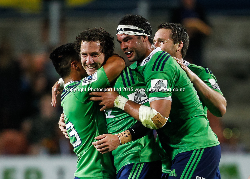 The Highlanders celebrate Highlander's Marty Banks kicking the match winning penalty in the Super 15 Rugby Match - Chiefs v Highlanders, 6 March 2015 at Waikato Stadium, Hamilton, New Zealand on Friday 6 March 2015.  Photo:  Bruce Lim / www.photosport.co.nz