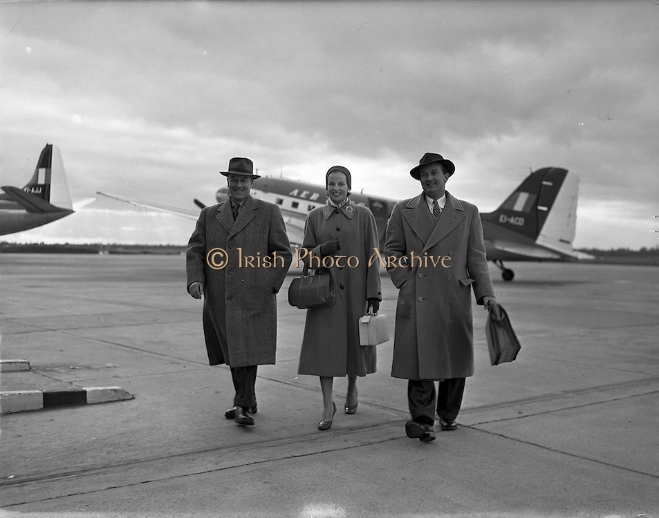 16/02/1958<br /> 02/16/1958<br /> 16 February 1958<br /> Special for Aer Lingus - Aberdeen Angus Association Members at Collinstown (Dublin Airport)
