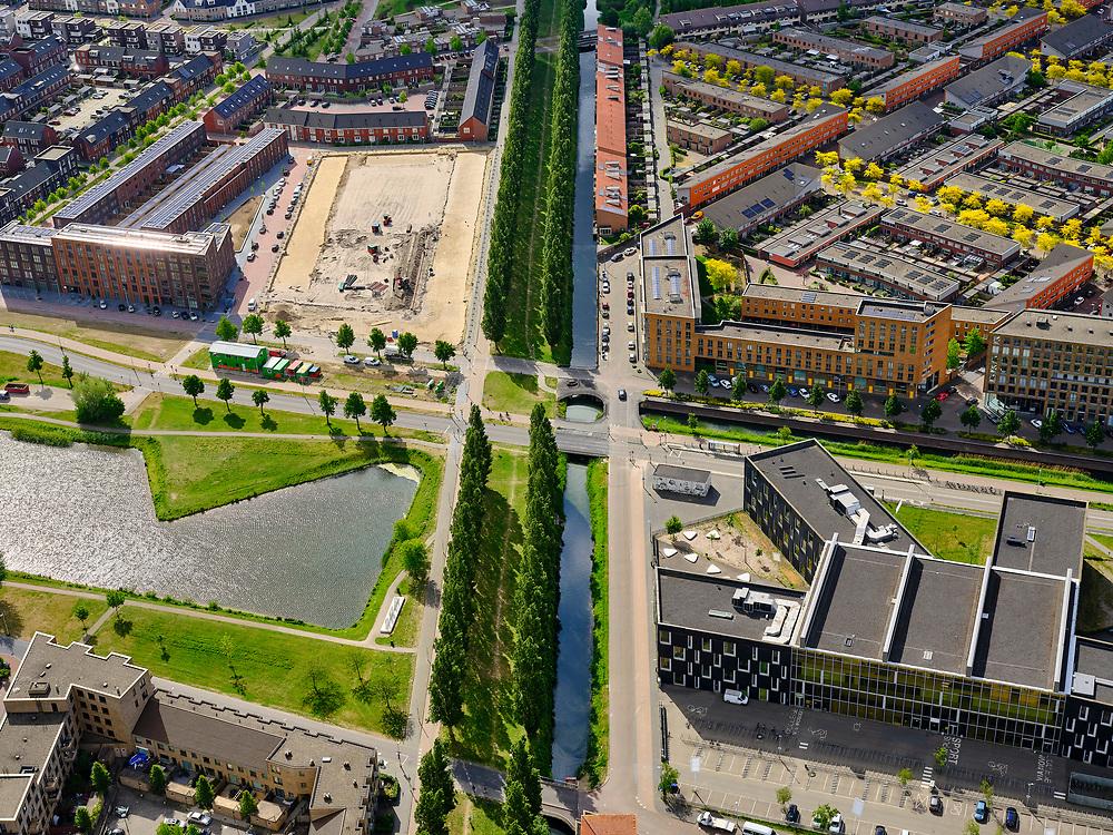 Nederland, Utrecht, Utrecht; 14–05-2020; stadsdeel Leidsche Rijn, de wijk Terwijde. De Rijnkennemerlaan, Leidsche Rijn College.<br /> Leidsche Rijn district, the Terwijde district in the foreground. De Rijnkennemerlaan.<br /> luchtfoto (toeslag op standaard tarieven);<br /> aerial photo (additional fee required)<br /> copyright © 2020 foto/photo Siebe Swart