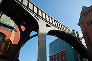 Stilwerk und Stilwerkbruecke, Altona, Hamburger Hafen, Hamburg, Deutschland.|.Stilwerk and bridge, Altona, port, Hamburg, Germany