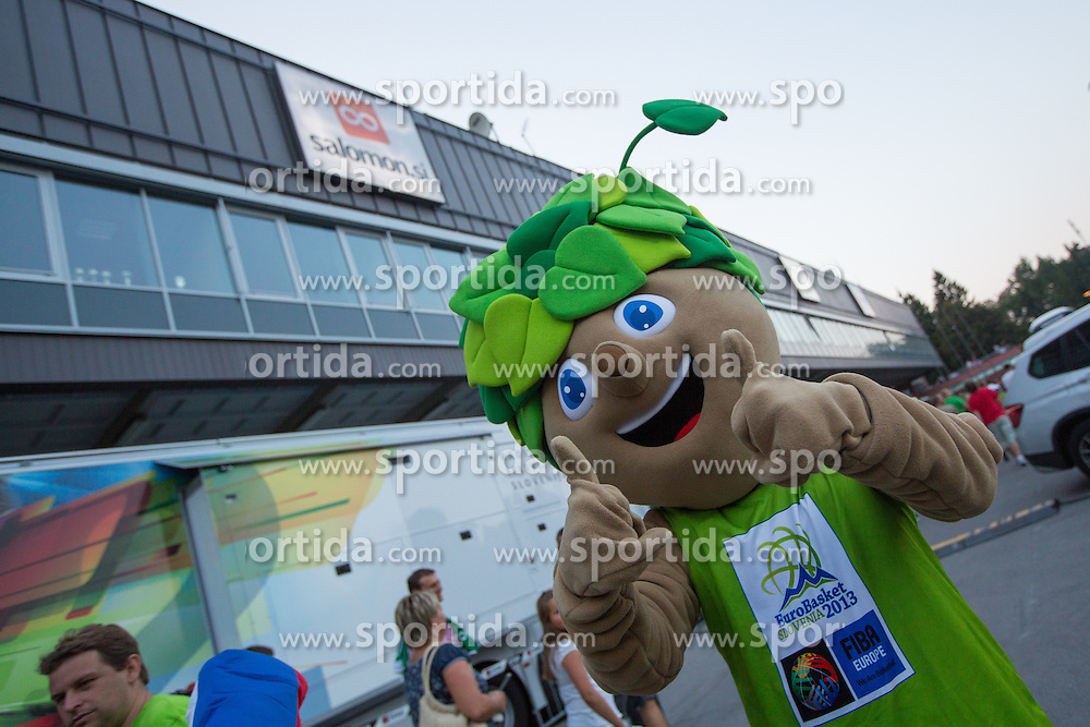 Mascot Lipko before friendly match between National teams of Slovenia and Russia for Eurobasket 2013 on August 18, 2013 in Hala Tivoli, Ljubljana, Slovenia. (Photo by Matic Klansek Velej / Sportida.com)