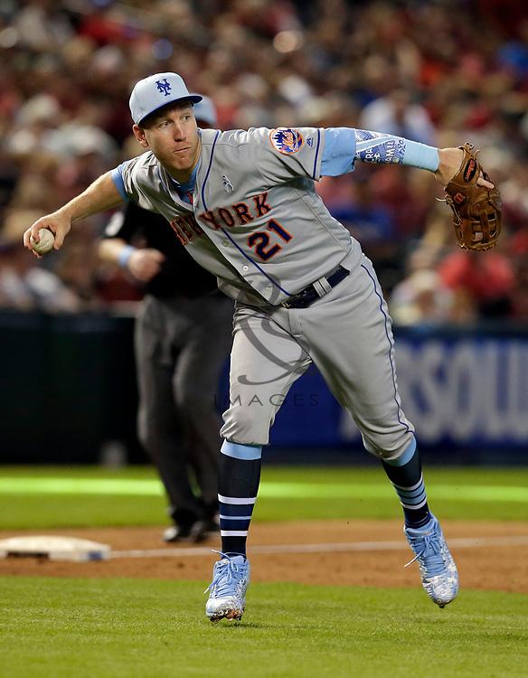 New York Mets third baseman Todd Frazier (21) in the first inning during a baseball game against the Arizona Diamondbacks, Sunday, June 17, 2018, in Phoenix. (AP Photo/Rick Scuteri)