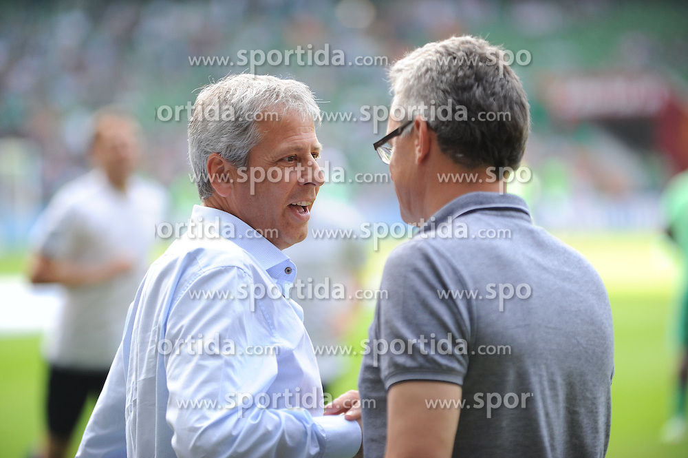 30.08.2015, Weserstadion, Bremen, GER, 1. FBL, SV Werder Bremen vs Borussia Moenchengladbach, 3. Runde, im Bild Lucien Favre, Trainer Borussia Moenchengladbach, links und Winton Rufer, rechts. // during the German Bundesliga 3rd round match between SV Werder Bremen and Borussia Moenchengladbach at the Weserstadion in Bremen, Germany on 2015/08/30. EXPA Pictures &copy; 2015, PhotoCredit: EXPA/ Eibner-Pressefoto/ Schmidbauer<br /> <br /> *****ATTENTION - OUT of GER*****