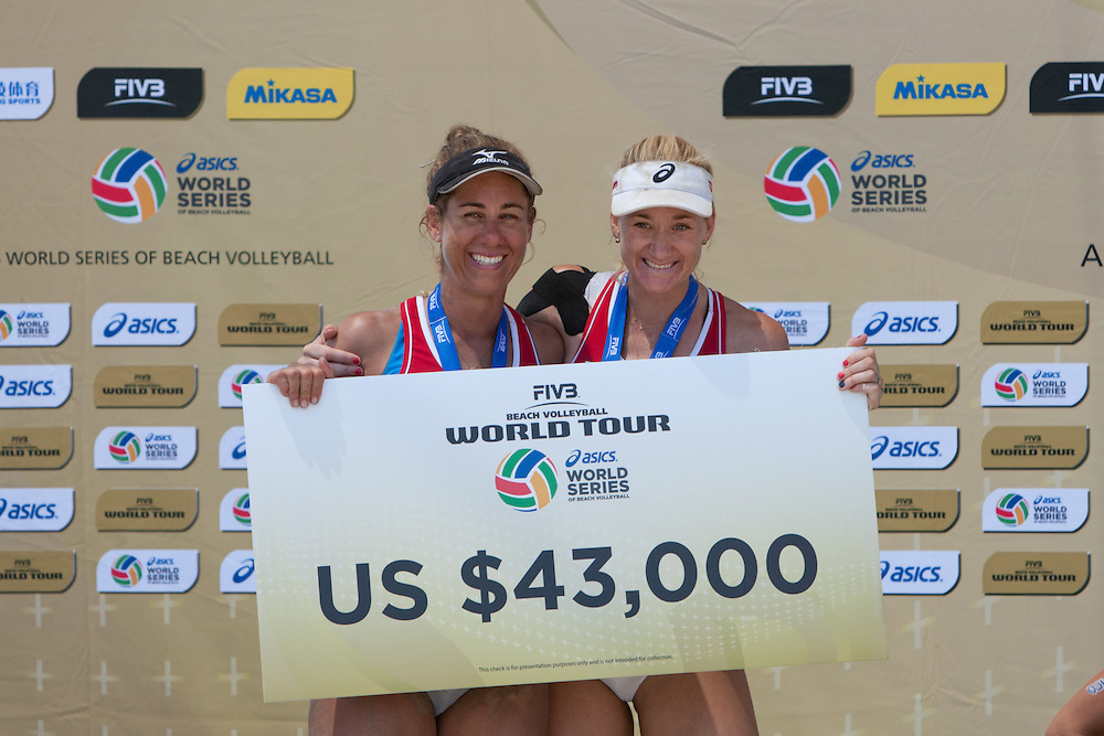 WSOBV - 2015 ASICS World Series of Beach Volleyball, Long Beach, CA - Awards: Men gold BRA (Bruno/Alison). Men silver USA (Dalhauser/Lucena). Men bronze NED (Meusen/Brouwer). Women gold BRA (Talita/Larissa). Women silver USA (Walsh/Ross). Women bronze GER (Ludwig/Walkenhorst). Awards won at the WSOBV event held in Long Beach, CA